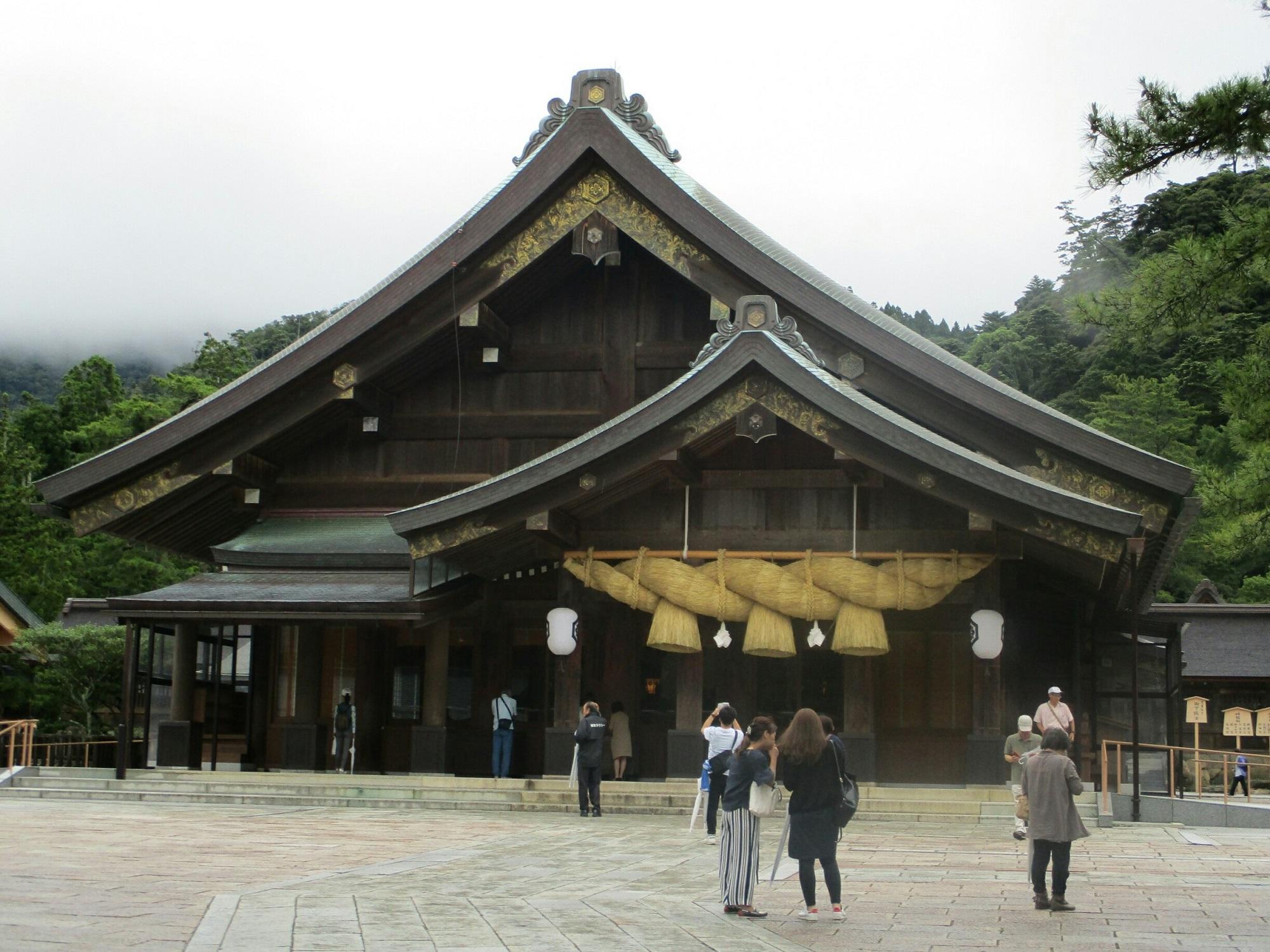 2018.7.6 (94) 出雲大社 - 拝殿 2000-1500