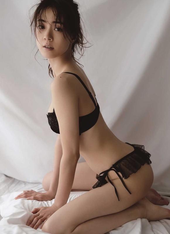 安座間美優さん (2) 1060-1460