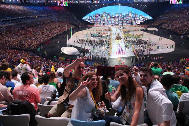 リオデジャネイロオリンピックの開会式(あさひ) 640-426