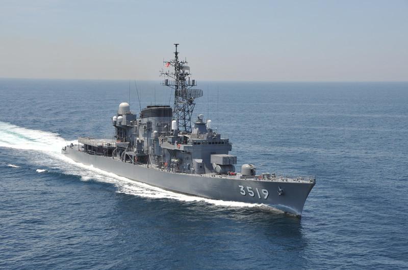 海上自衛隊の練習艦やまゆき 1280-850