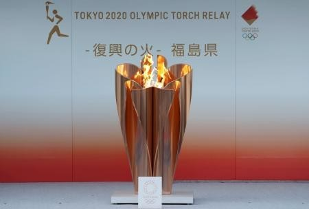 2020.3.24 福島市 - 聖火(東京新聞) 450-304