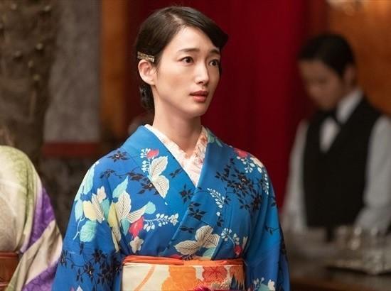 『エール』でカフェーの女給を演じる入山法子さん (1) 550-410