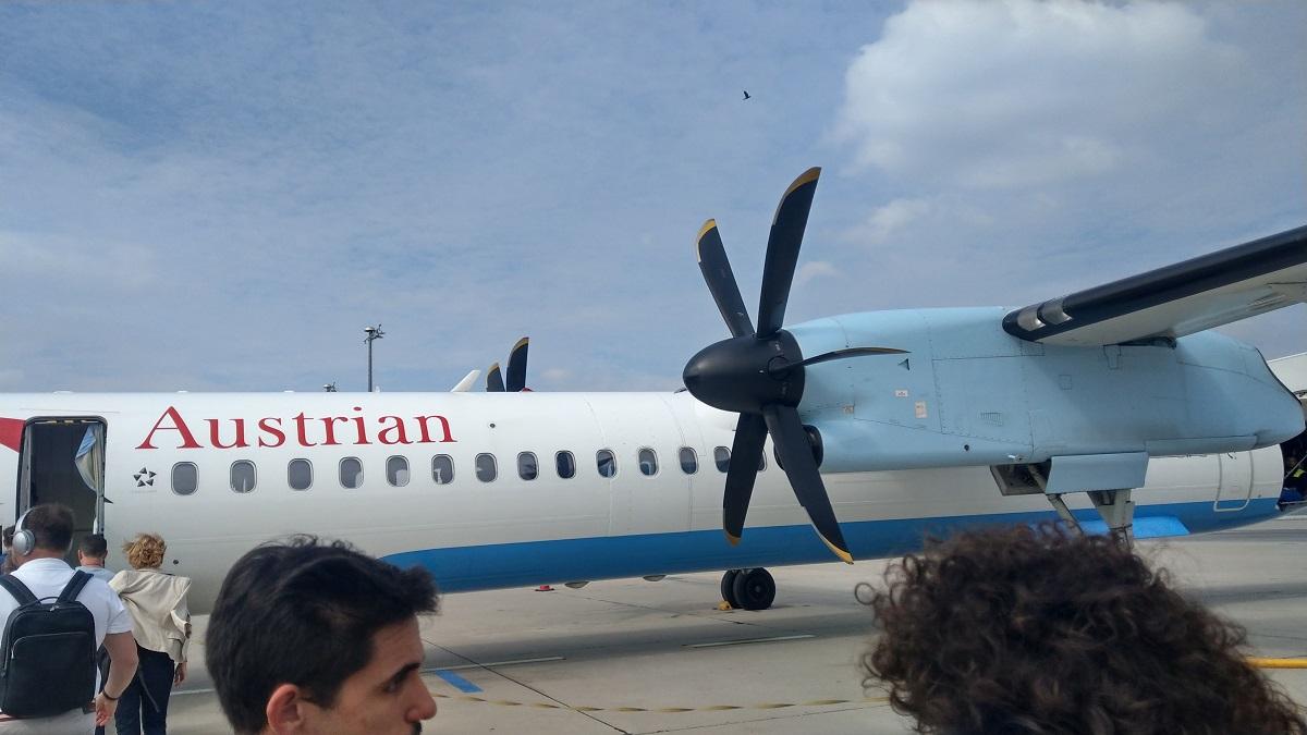 マイルを貯めて一人旅|ウィーンからプラハへの航空機