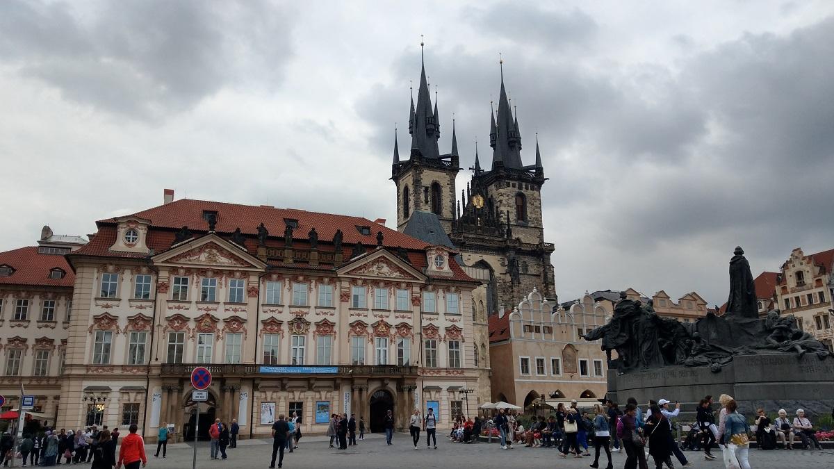 マイルを貯めて一人旅|プラハの旧市街