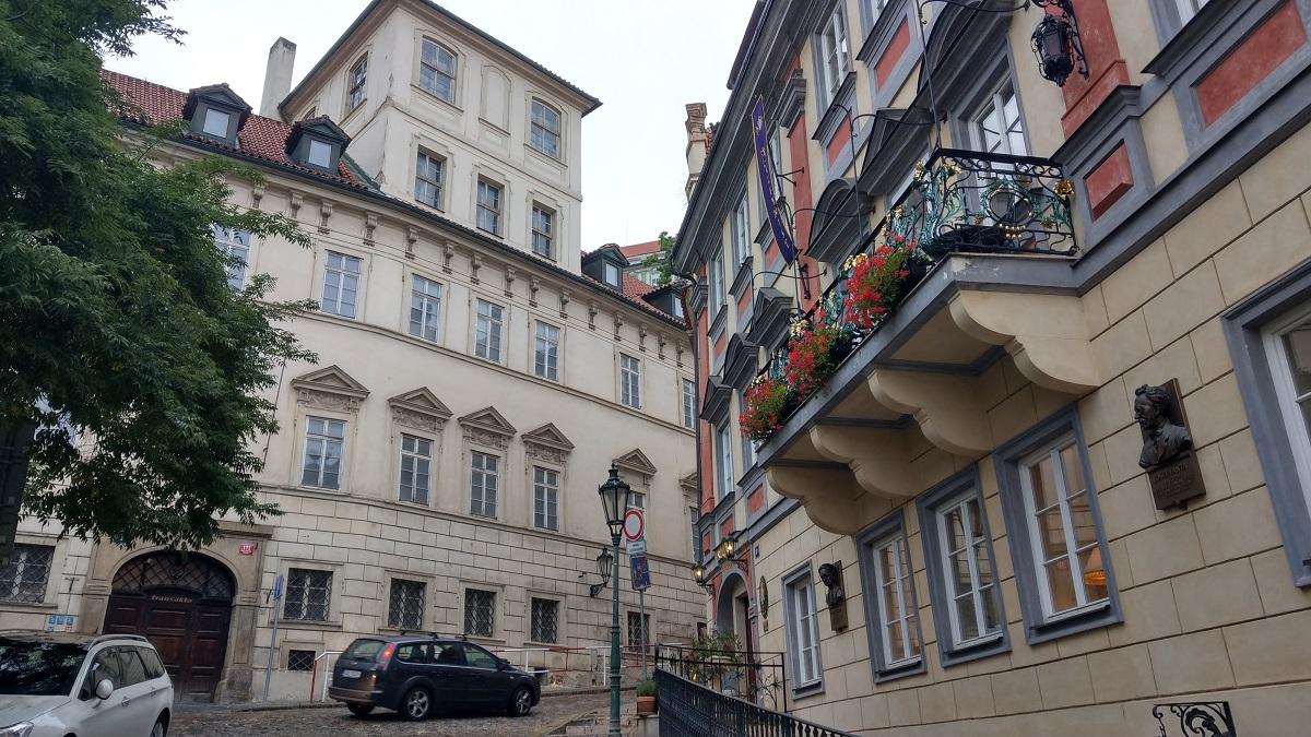 マイルを貯めて一人旅|プラハ城