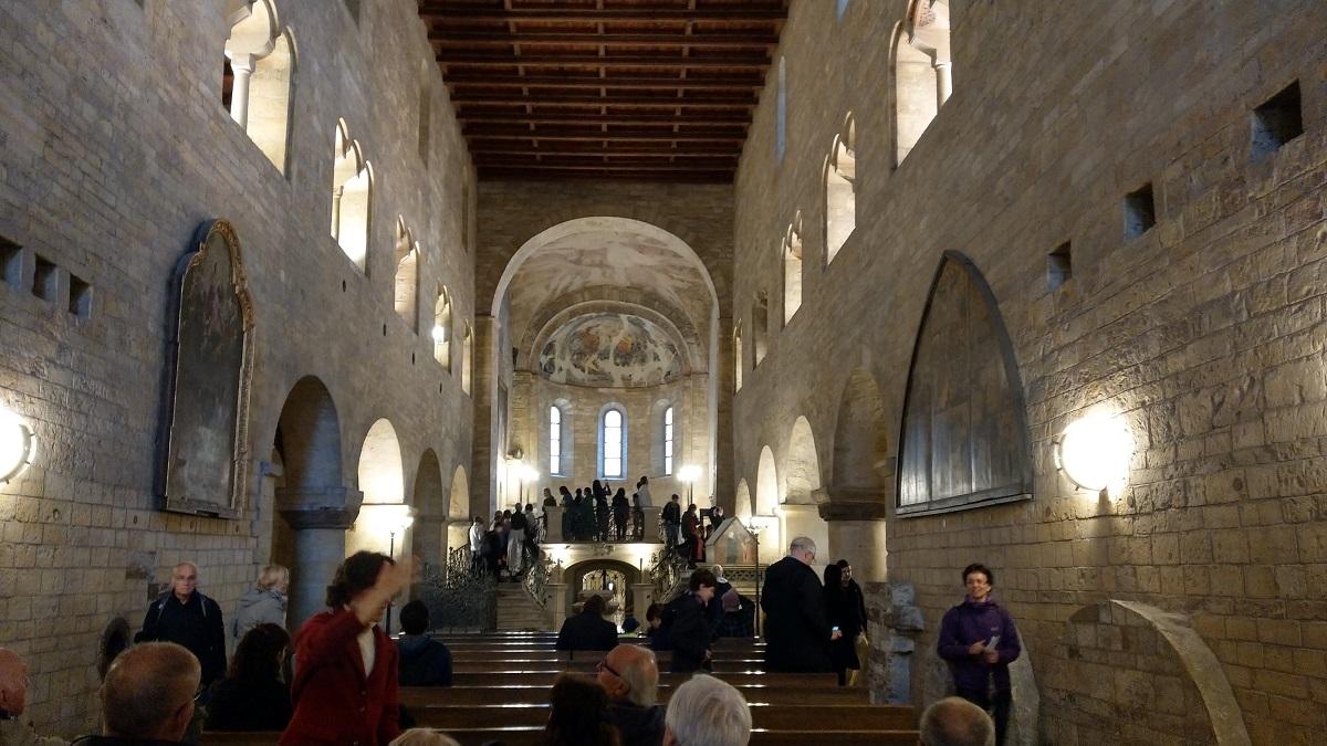 マイルを貯めて一人旅|聖イジー教会