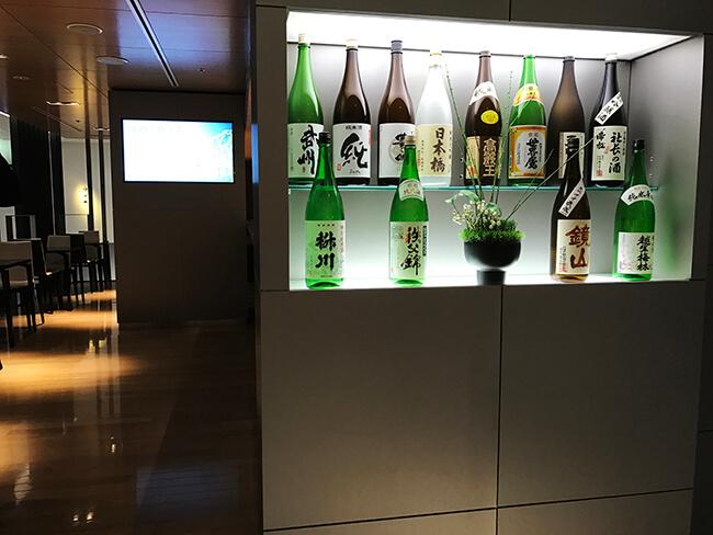 成田空港第4サテライトanaラウンジの酒バー
