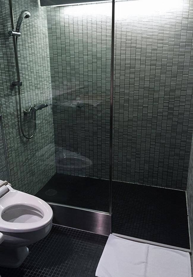 シャワーブースの全体イメージ