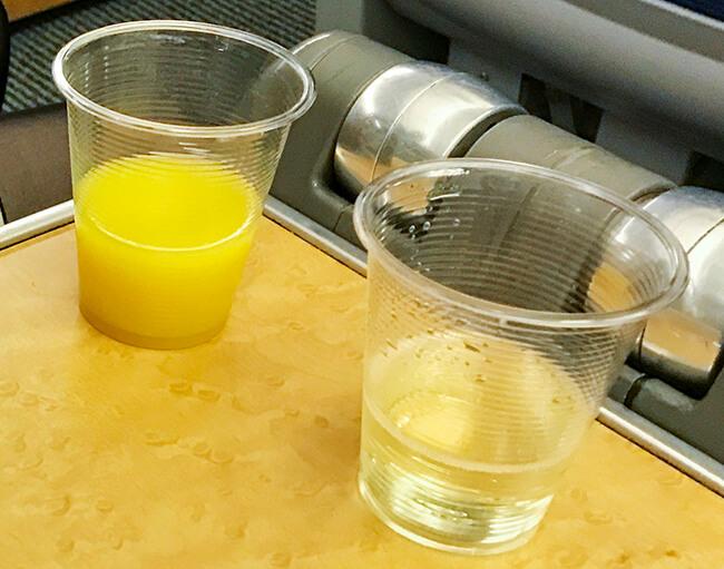 オレンジジュースとスパークリングワイン
