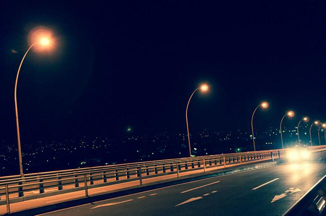 夜の運転イメージ