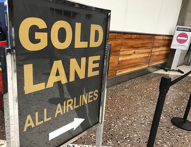 ホノルル国際空港ゴールドレーン