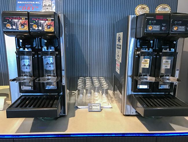 伊丹空港anaラウンジの自動ビールサーバー