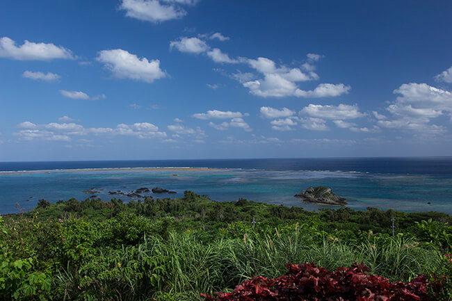 石垣島東方の海
