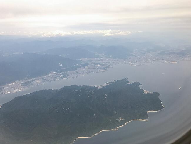 広島行きから見下ろす宮島