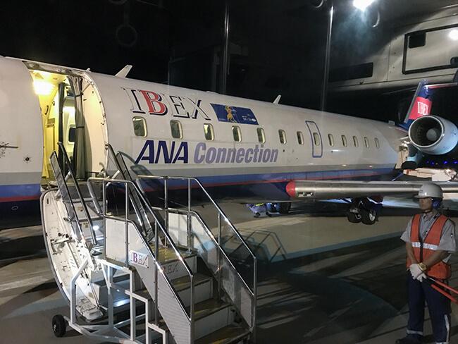 広島便は安定の沖止め・バス移動