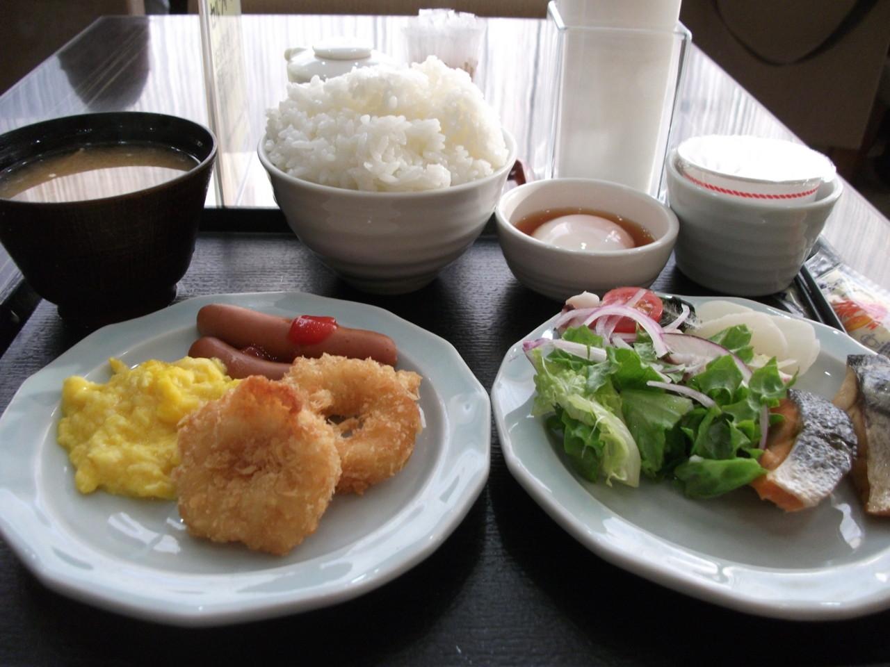 06:42 朝食バイキング@宿泊先
