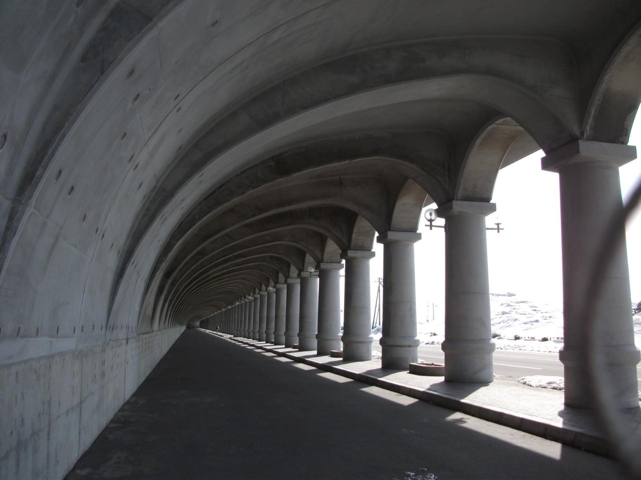 09:27 北防波堤ドーム内部
