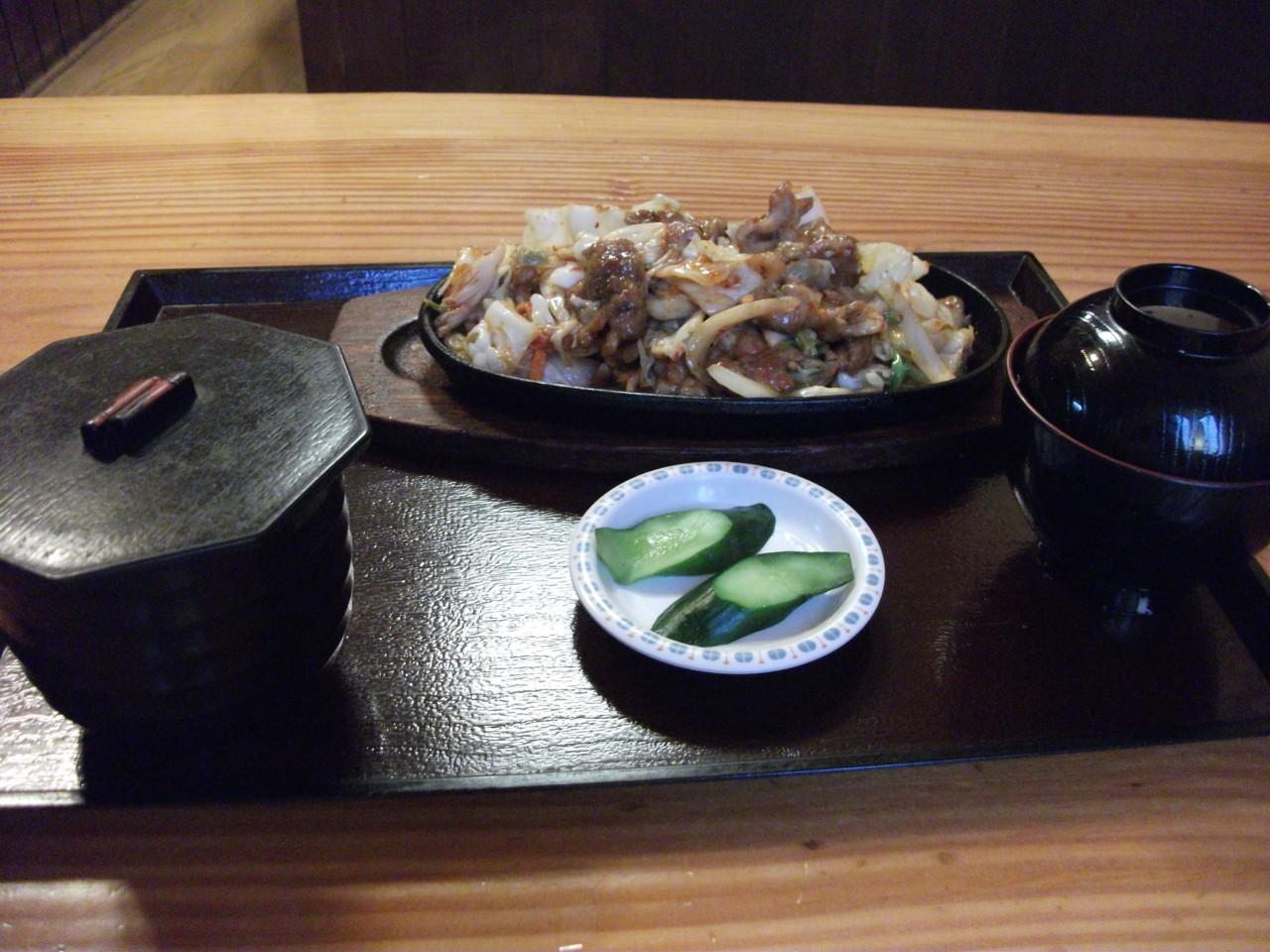 さくら亭 鉄板豚キムチ定食