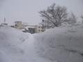 [岩見沢] 出口をはばむ雪の壁