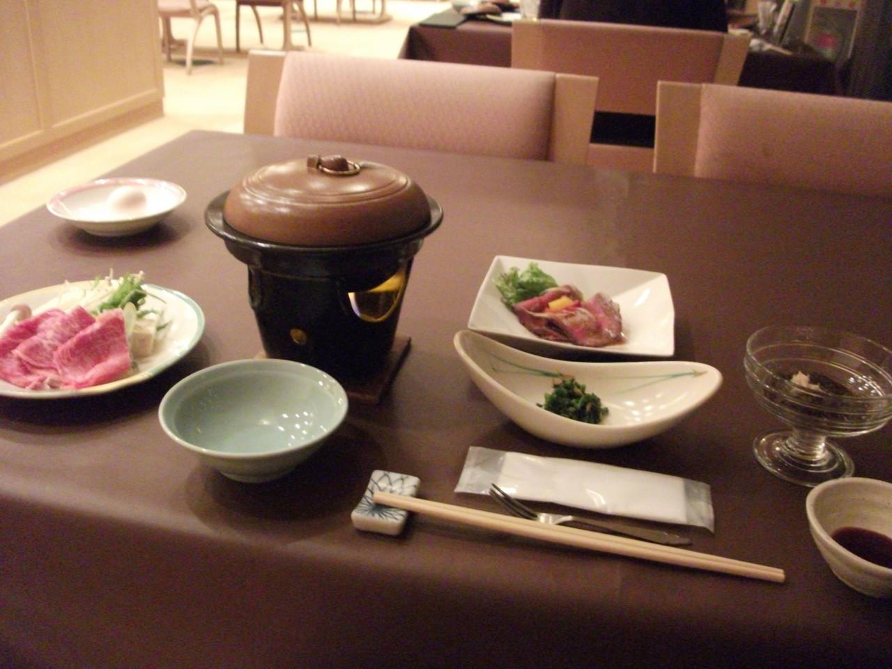 夕食・配膳済み
