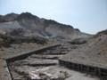 [函館][恵山] 荒野を走る砂防ダムの列