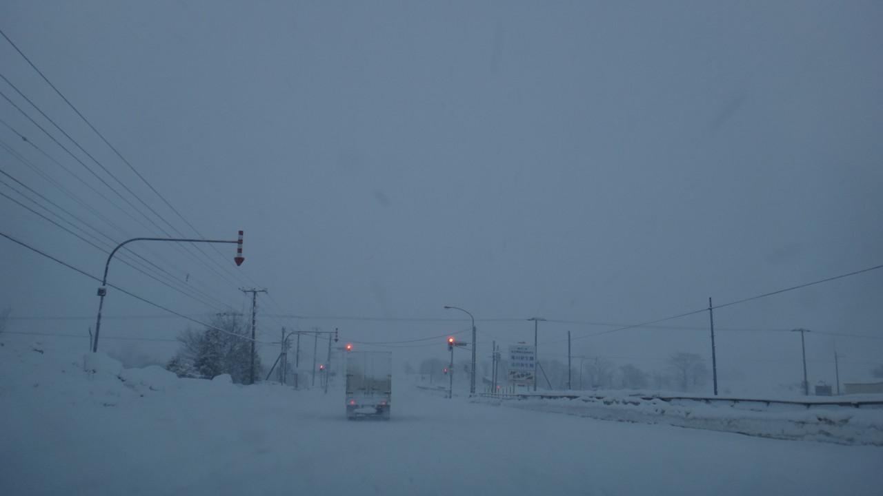 江部乙付近かるく吹雪
