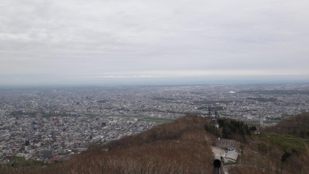 豊平・清田・厚別方面、銀色にかがやく札幌ドーム