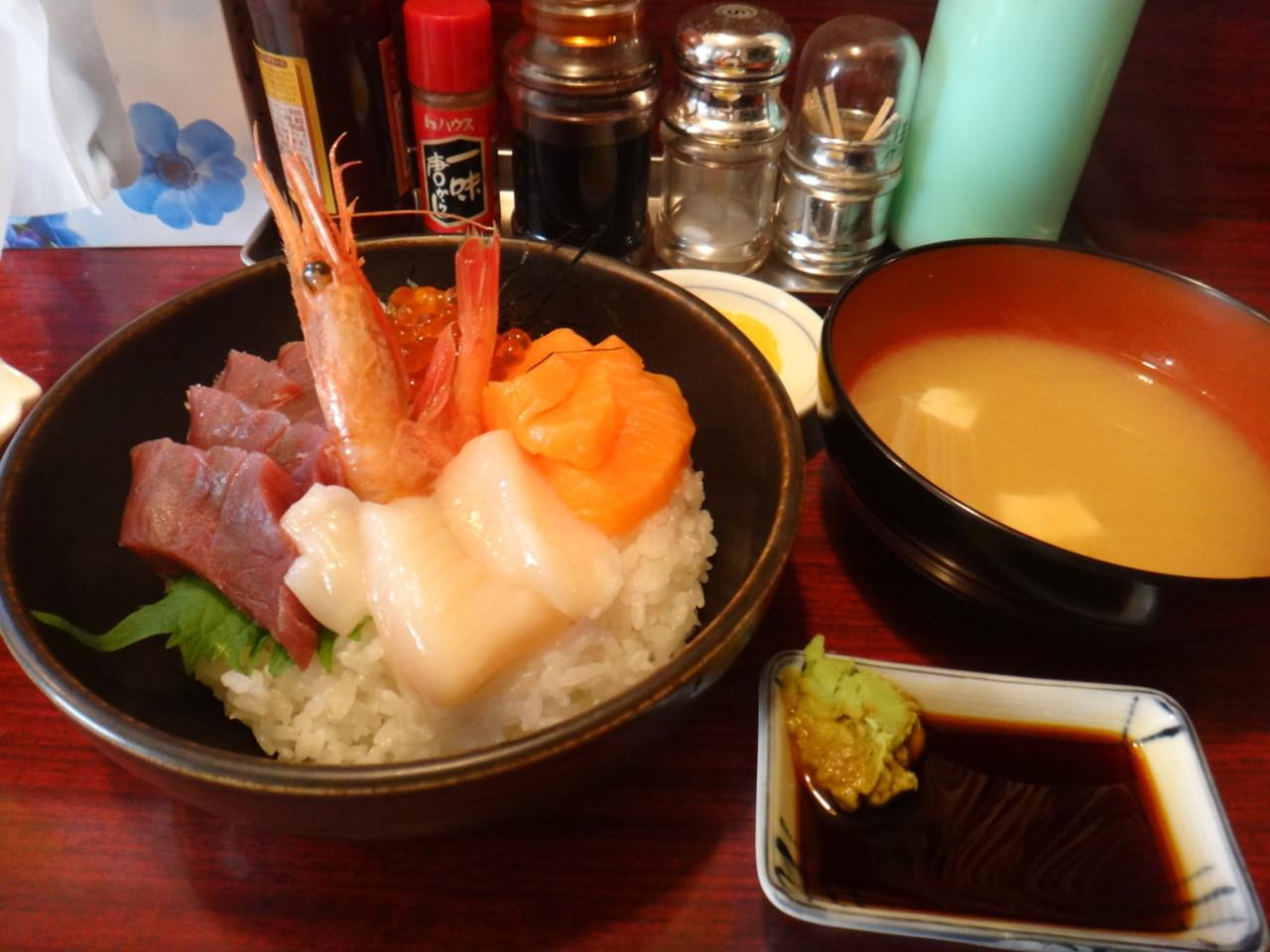菜の花 海鮮丼