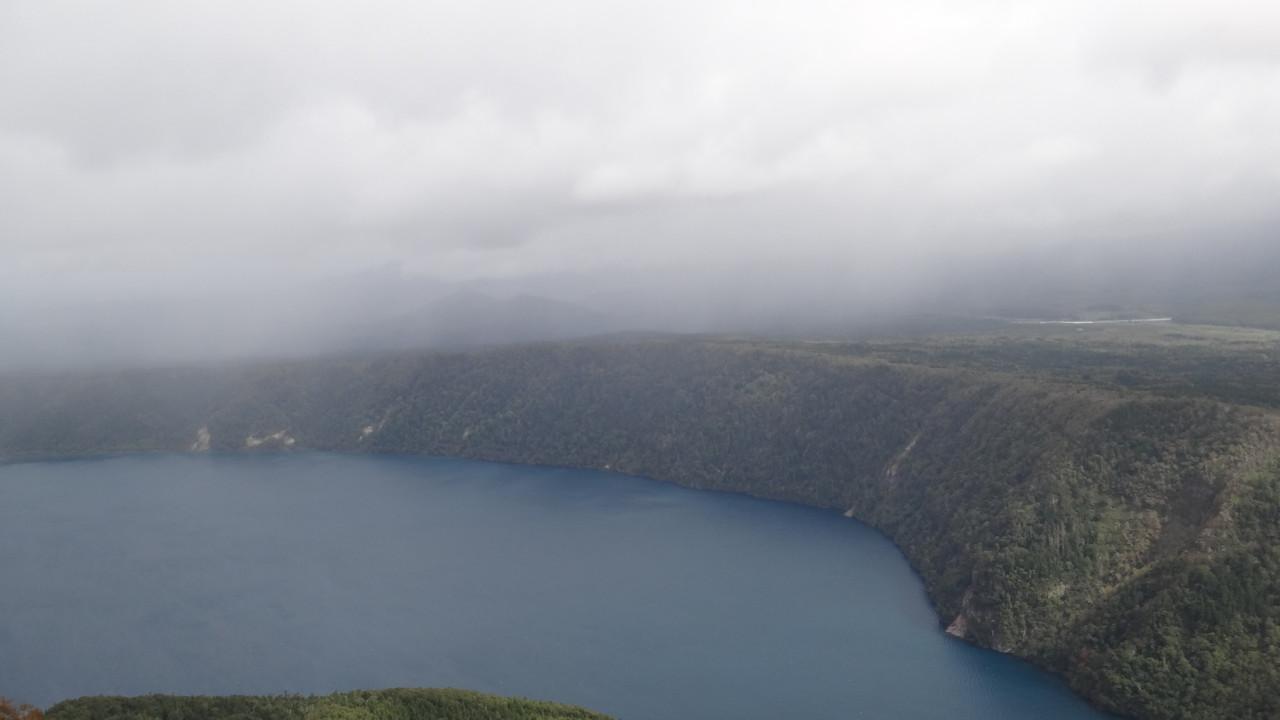 北からせまる雨雲@山頂