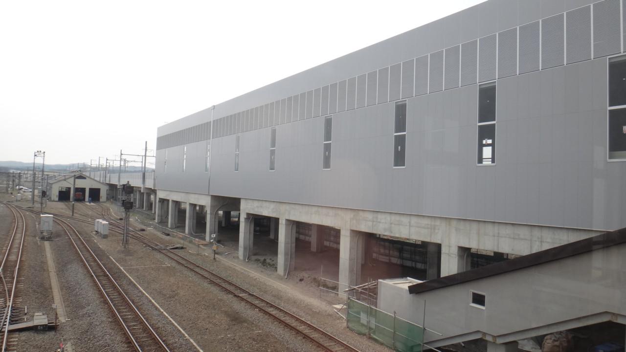 新幹線駅建築中・2