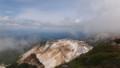 [上富良野][富良野岳][上ホロカメットク山] 安政火口越しに美瑛の風景