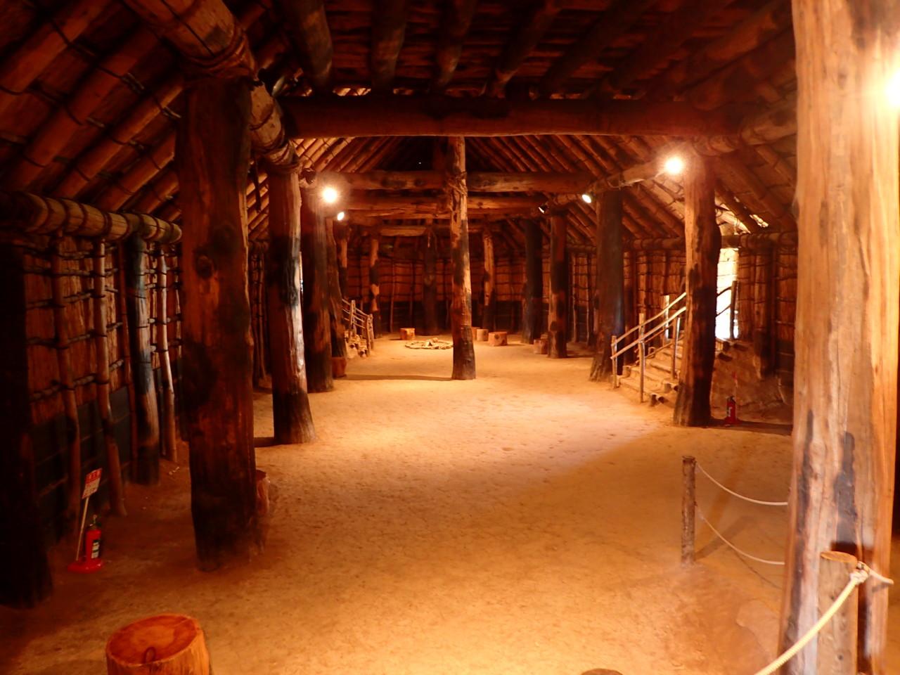 三内丸山遺跡 大型竪穴住居内部