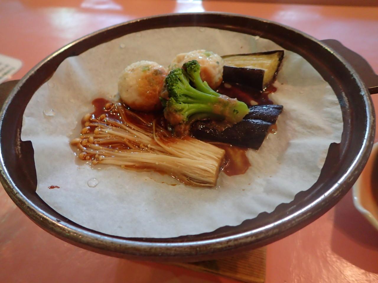 1日め夕食・陶板焼き