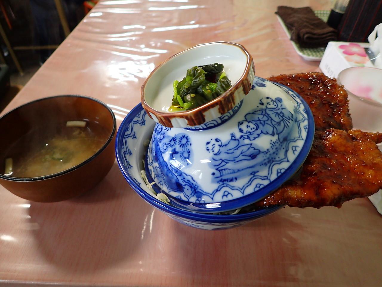 白孔雀食堂 ソースカツ丼