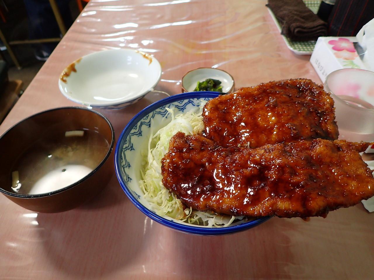 白孔雀食堂 ソースカツ丼・オープン