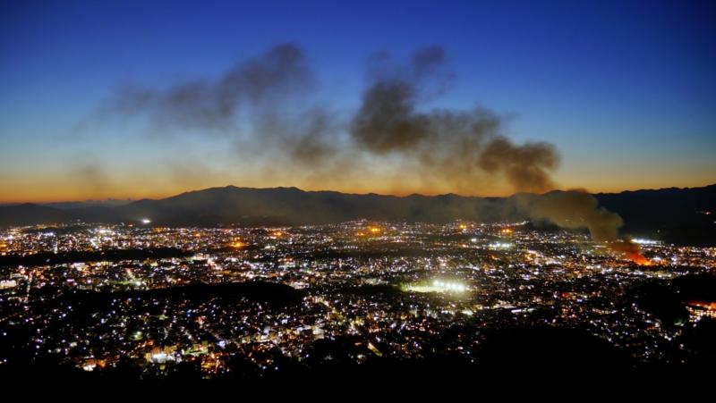 京都新聞写真コンテスト 大文字火床からの火事