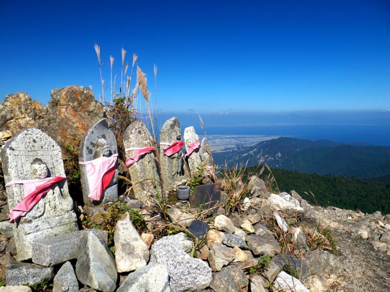 京都新聞写真コンテスト 武奈ヶ岳山頂の憩い