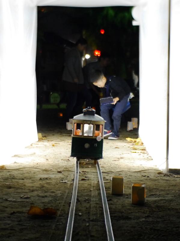 京都新聞写真コンテスト 光のトンネルの中へ