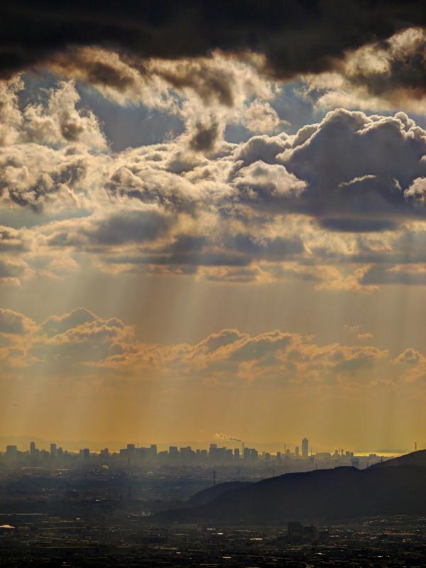 京都新聞写真コンテスト 比叡山より大阪湾を望む