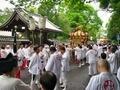 新緑の中を行く神輿列@京都御苑