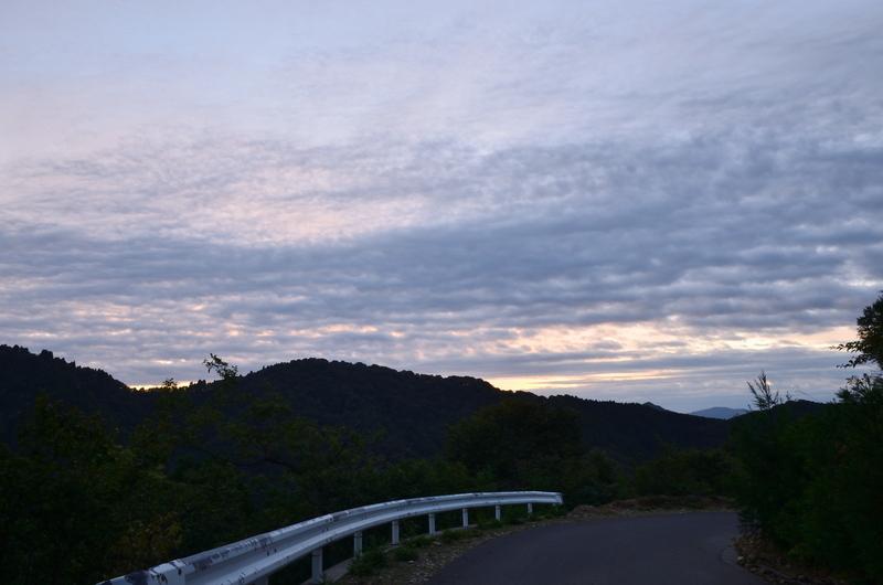 おにゅう峠の夜明け