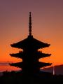 「新旧塔比べ」60回京都新聞写真コンテスト佳作