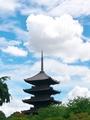 雲を突き刺す五重塔@東寺