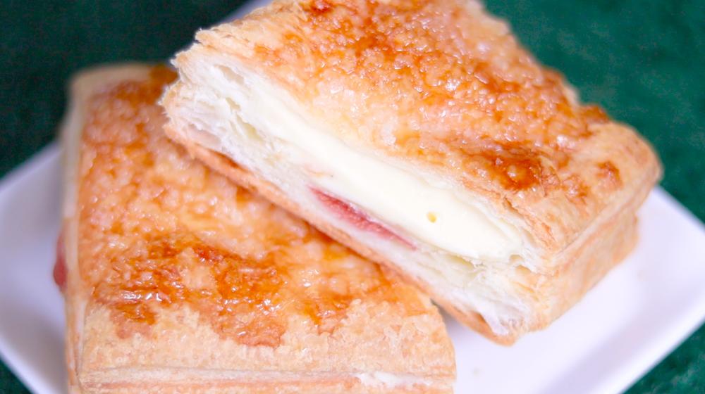いちごのミルフィーユ ファミマ ファミリーマート FamilyMart コンビニスイーツ パン