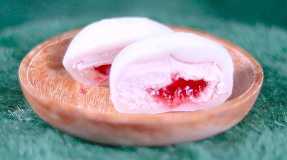 マシュマロ食感!いちごクリーム大福 セブン セブンイレブン コンビニスイーツ セブンスイーツ