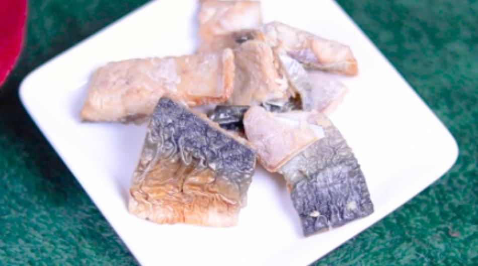 燻製香る 冷製おつまみ焼きサバ セブン セブンイレブン コンビニ 惣菜