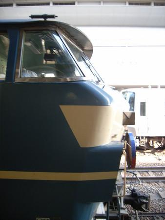 EF66 京都駅にて2