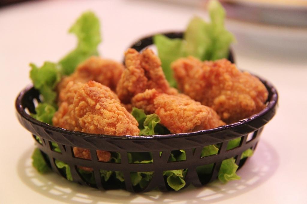 鶏肉を食べると胸が大きくなる