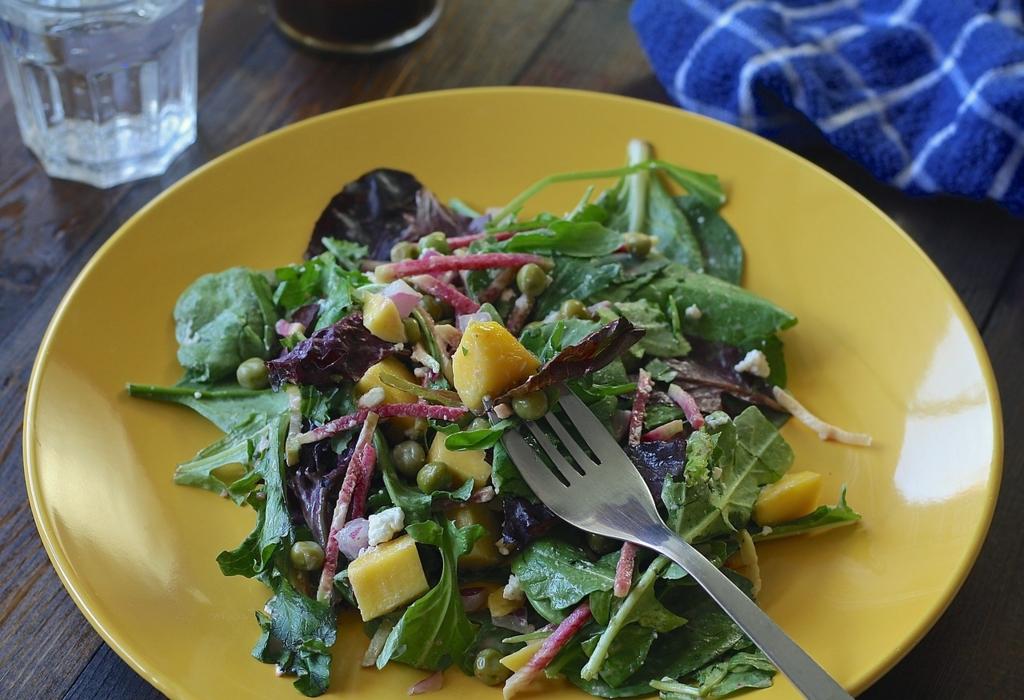 プチ断食ダイエットを成功させるためにサラダには海藻を入れる