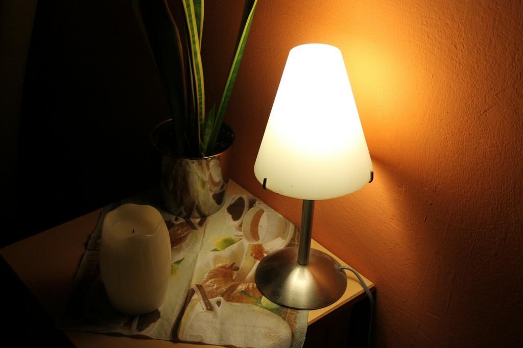 夜中に電気をつけていると太る